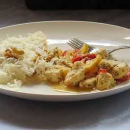 Mediterranean chicken with Dijon mustard, tomato and lemon