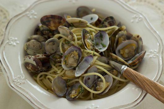 Spaghetti with Clams (Spaghetti Alle Vongole)