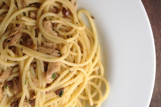 Spaghetti with tuna (Pantry recipe)