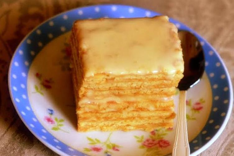 Smetannik (Russian Cake with Sour Cream Frosting)