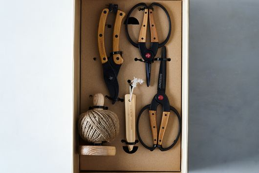 OLD Essential Garden Tools Gift Set