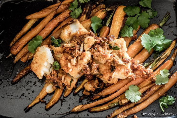 PAN-FRIED COD WITH ROASTED CARROTS