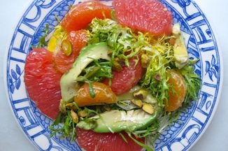 5a657786-e24f-446e-9f03-8b7b744be9a1--mixed_citrus_avocado_salad_plate