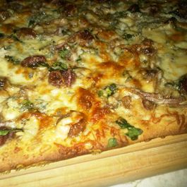 walnut, roasted red grape and balsamic onion pizza with sage bachamel