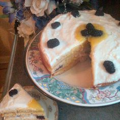 Fresh Blackberries n' Cream Cake with Lemon Curd