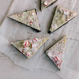 How to Make Your Own Peppermint Bark