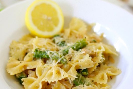 Bowtie Pasta with Asparagus