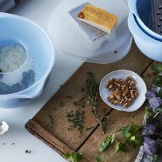 A Freebie to Celebrate! Our Most-Trusted Mixing Bowls in a New Blue