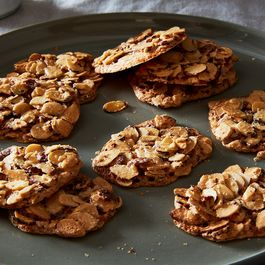5fadfd52 2c6c 4fab a2ac c2686f94ef4b  2017 0124 dorie greenspan 3 ingredient almond crackle cookies james ransom 224