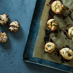 How to Make Cheesy Garlic (Or Any Kind of) Knots Without A Recipe