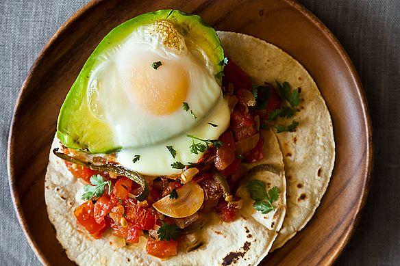 Avocado y huevos from Food52