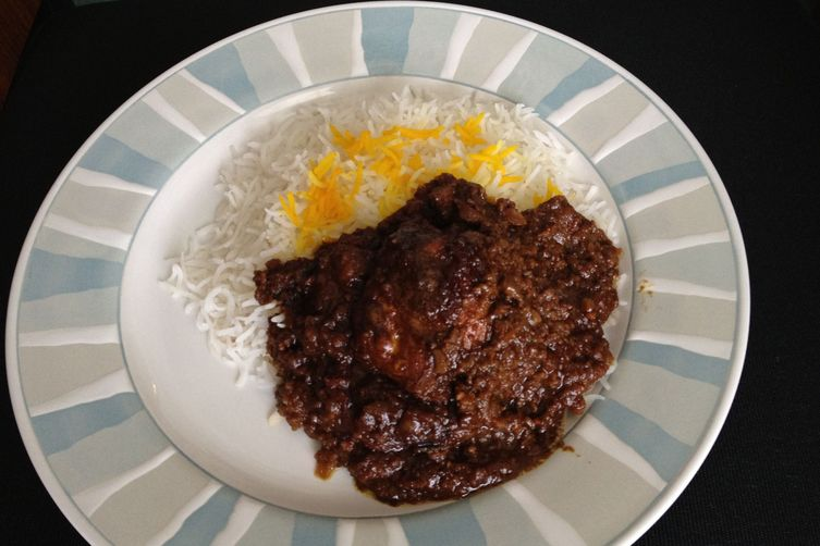 Iranian/Persian Fesenjoon (walnut and pomegranate dish) with Rice