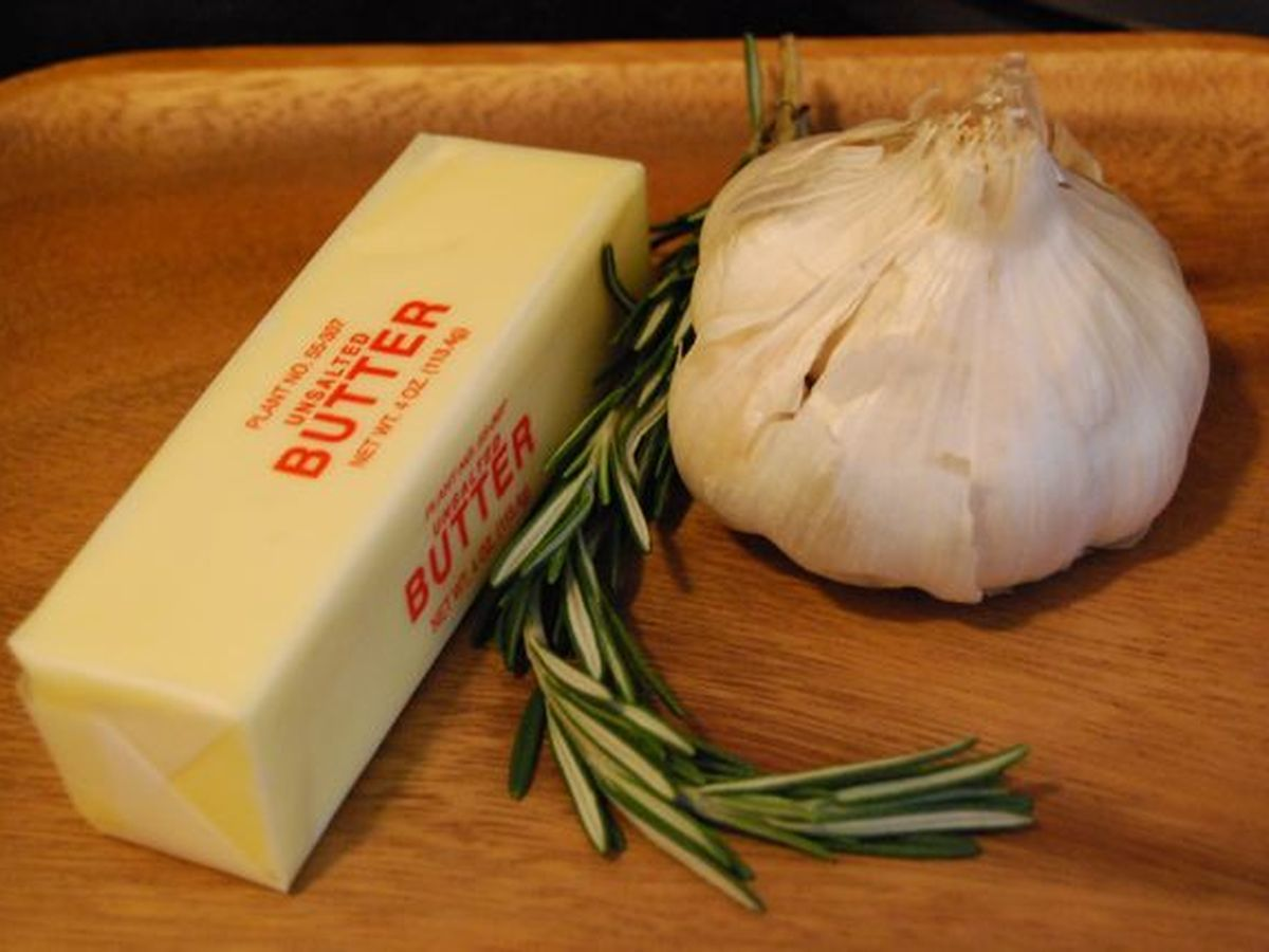 Round Table Garlic Twist Recipe.Garlic Rosemary Butter
