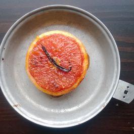 Broiled grapefruit + Vanilla bean