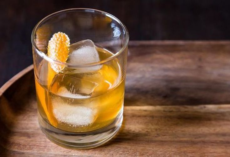 6 Ways to Drink Like Don Draper for the Mad Men Premiere