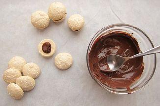 862dd580 c491 4a09 b2a1 b3e19dd81782  turkish coffee meringues 6