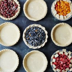 9 Ways to Snazzy Up Your Pie Edges