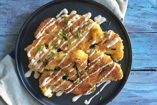 Panko Crusted Cauliflower Steaks with Greek Yogurt & Sriracha sauce