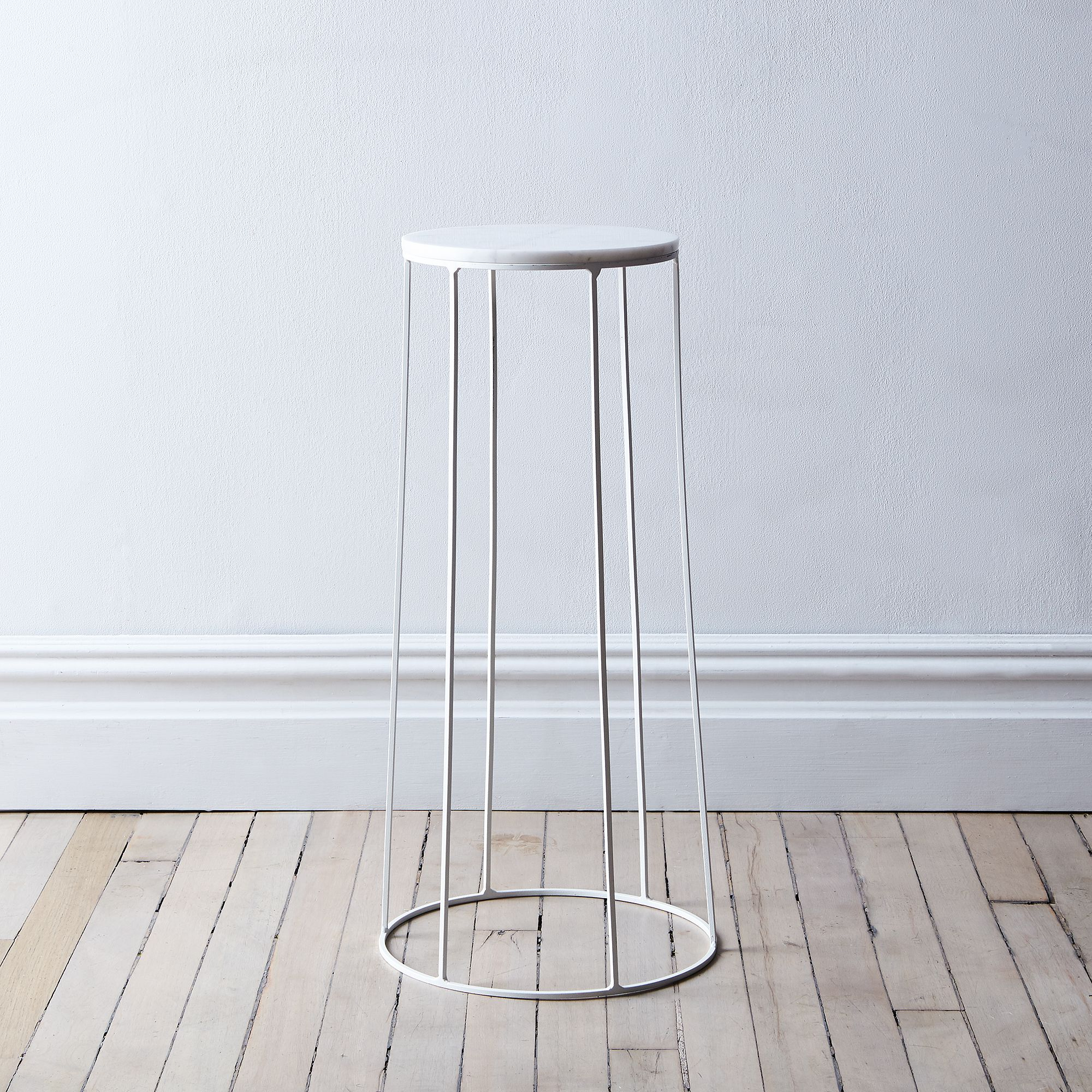 0eaceb23 beae 430f abee ff46eca9ab73  2017 0725 menu marble topped wire side table large white base with white top silo rocky luten 002