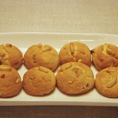 Christmas pinenut and golden raisins cookies