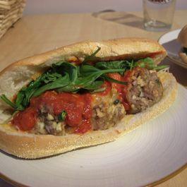 25d6252f f20f 45b3 9824 fa5e10940bd4  meatball sandwich