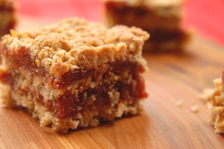 Double layered guava crumble bar