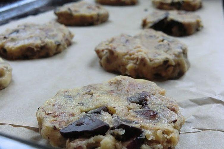Chocolate Chip Granola Cookies