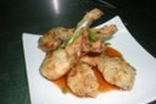 Prosecco-Batter-Fried Frog Legs with Tangy Sweet Garlic-Chili Sauce