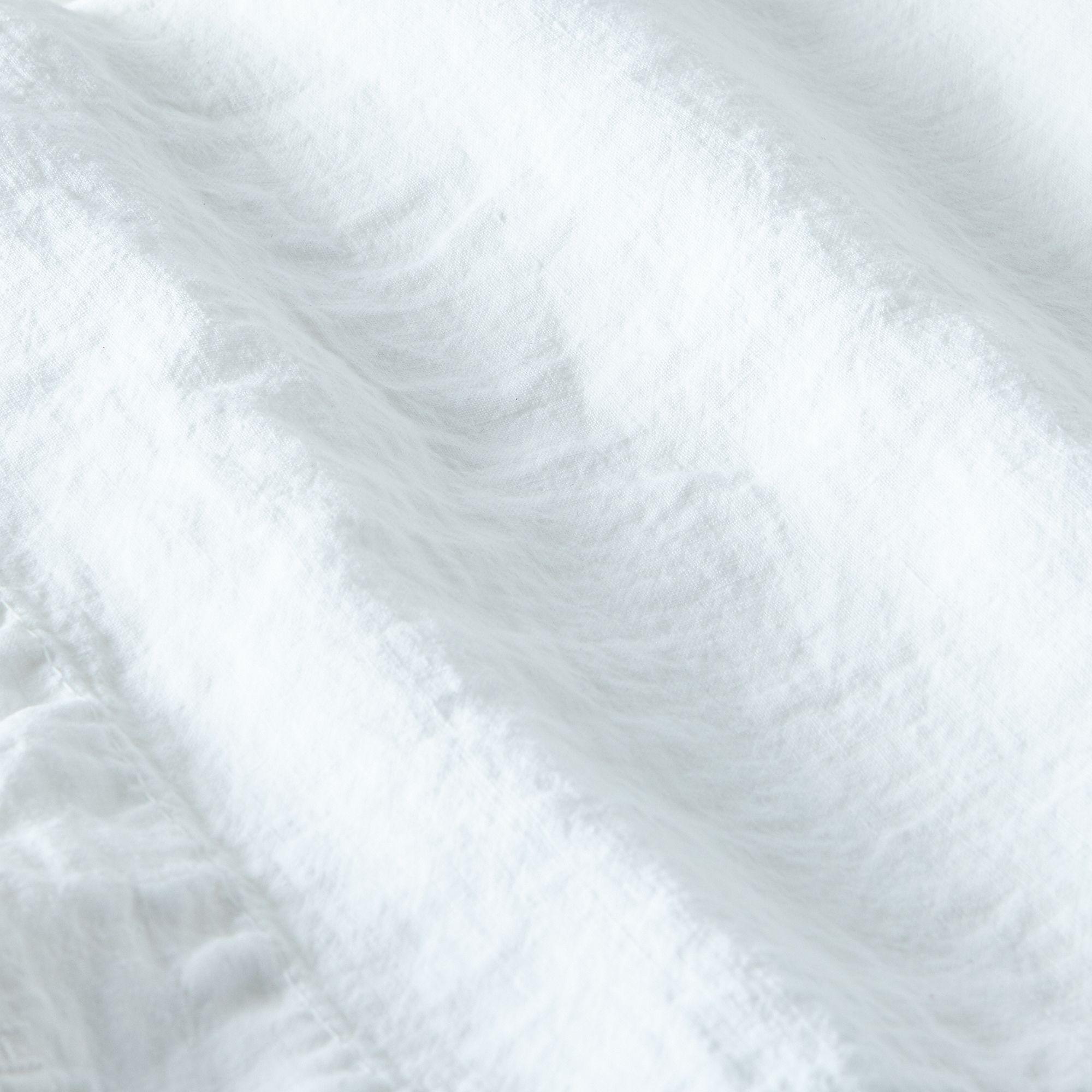 1b1839b2 a0f9 11e5 a190 0ef7535729df  2015 1008 hawkins ny stonewashed linen bedding sheet white silo rocky luten 009