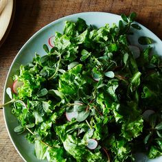 How to Make a Better Leafy Salad Without a Recipe