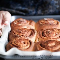 ÄPPELBULLAR, APPLE AND CINNAMON BUNS