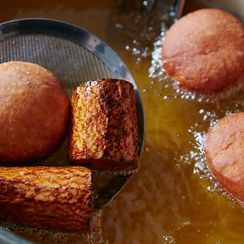 For Easier Deep-Frying, Just Add a...Carrot?