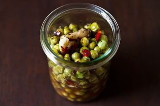 Ef58d2fc e307 4fd6 872d e648e05dbd83  pickled peas