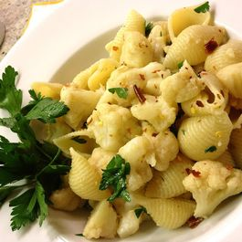 Conchiglie con Cavolfiore (Shell Pasta with Cauliflower)