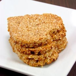06c12348-452b-41f8-bb49-4444cea4069a--honey_sesame_crisp1