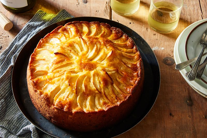 Apple-Almond Cake (Apfel-Marzipan-Kuchen)