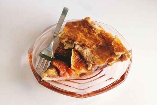 Fig and Honey-Balsamic Ricotta Galette