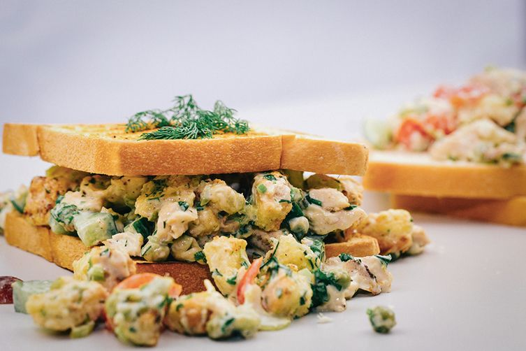 BEST CHICKEN SALAD SANDWICH RECIPE
