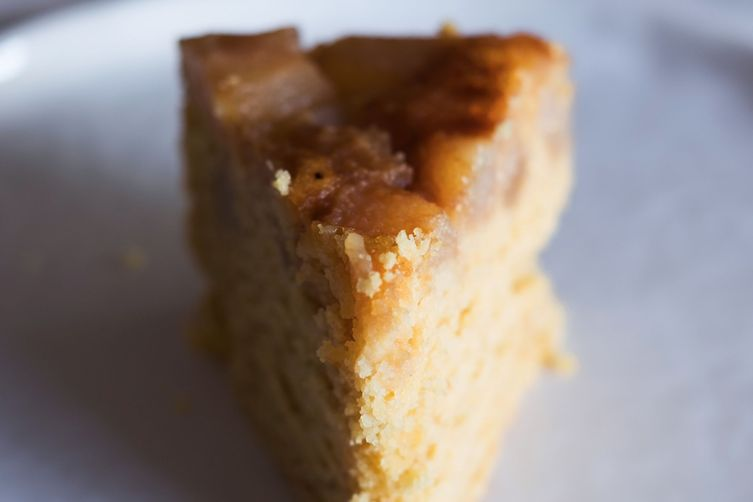 Upside-down pear cake (V + GF)