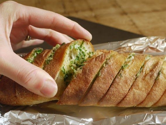 how to cook garlic bread in foil bag