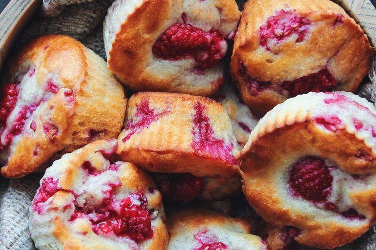 Fresh Raspberry & Greek Yogurt Muffins