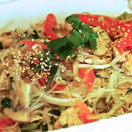 8fe7a2f4 d0d2 4a2b be3f 37df066b0e99  super easy chicken pad thai
