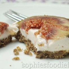 Vegan + Gluten-free No-bake Fig Cheesecake Bars!