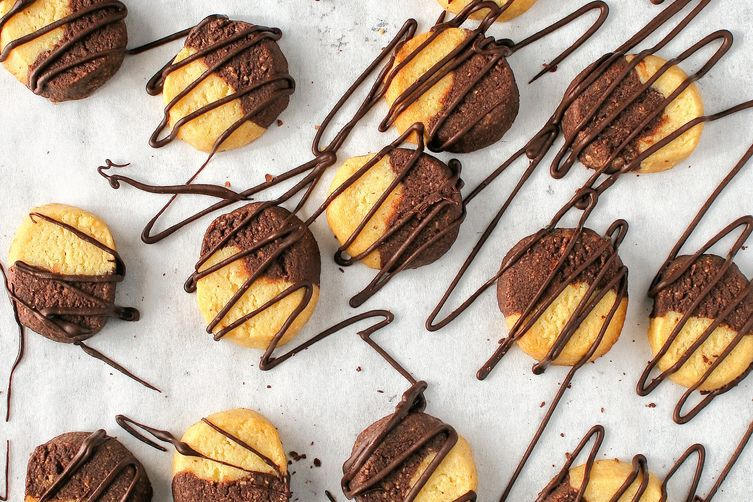 Vanilla and chocolate almond butter cookies