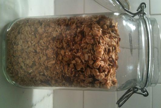Simple maple pecan granola
