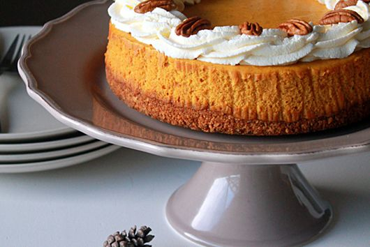 Pumpkin cheesecake with gingersnap pecan crust