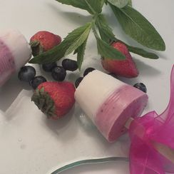 Bumbleberry Cream Cheese & Yogourt Pops