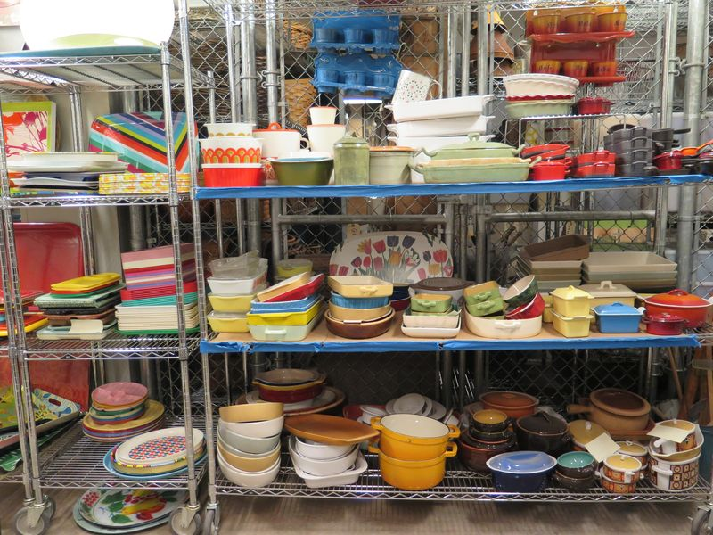 Earthenware baking dishes gave Mario Batali's show a Tuscan air, and Rachel Ray's set a hit of color.