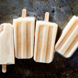 A842df5a 99af 4430 ba52 0c7d418c0eb2  2017 0808 hot drinks as popsicles julia gartland 417