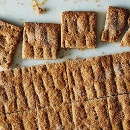 Graham Crackers: What Every Grammy Party Needs